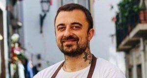 https://genova.repubblica.it/cronaca/2019/08/16/news/chef_rubio_attacca_il_sindaco_di_ventimiglia_l_umanita_finisce_al_cesso_-233751461/
